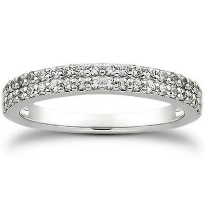 Round Pave Engagement band in 14K Yellow Gold
