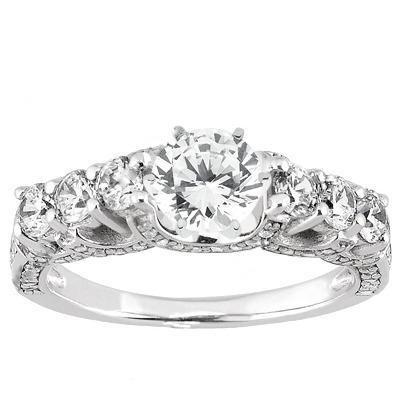 Round Diamond Engagement Ring in 14K Yellow Gold