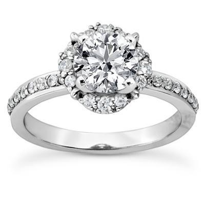 Brilliant Round Cut Engagement Ring in 14K Yellow Gold