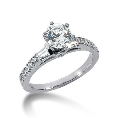 Stylish Round Centered Wedding Ring in 14K Yellow Gold