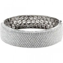 Diamond Bangle Bracelet in 18k White Gold (15.25 Ct. tw.) (15.25 Ct. tw.)
