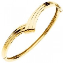Hinged Bangle Bracelet in 14k Yellow Gold