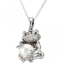 Cultured Pearl Frog Pendant in Sterling Silver