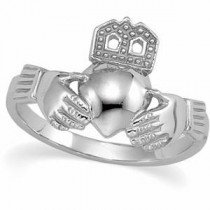 Ladies Claddagh Ring in Platinum