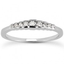 Diamond Engagement Band in 14K Yellow Gold