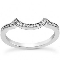 Graceful Round Cut Band in 14K Yellow Gold