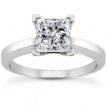 Princess Cut Solitaire Ring in 14K Yellow Gold