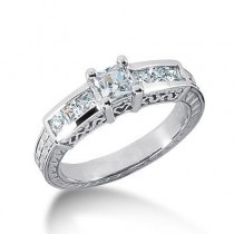 Princess Cut Diamond Ring in 14K Yellow Gold