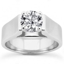 Round Classic Diamond Solitaire Ring in 14K Yellow Gold