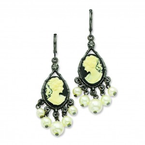 Blackcameo Cultura Glass Pearl Leverback Earrings in Fashion