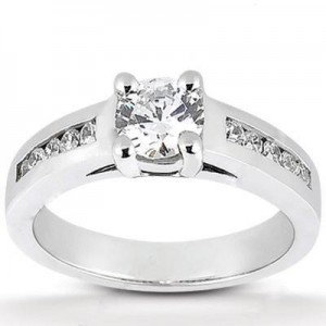 Round Diamond Engagement Ring in 14K White Gold