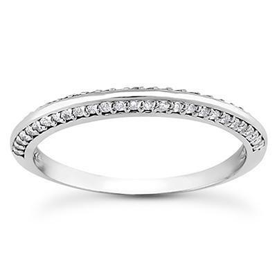 Knife Edge Round Diamond Engagement Ring in 14K Yellow Gold