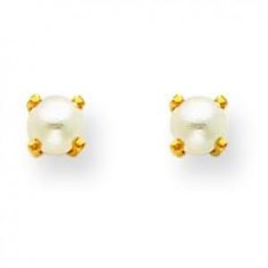 Pearl Earrings in Non Metal